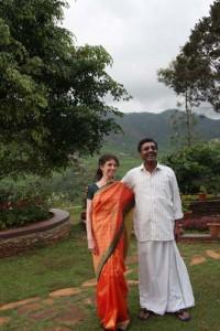 Andrea in ihrem herrlichen Sari- da kam sogar Sukumar für ein Foto herbei!